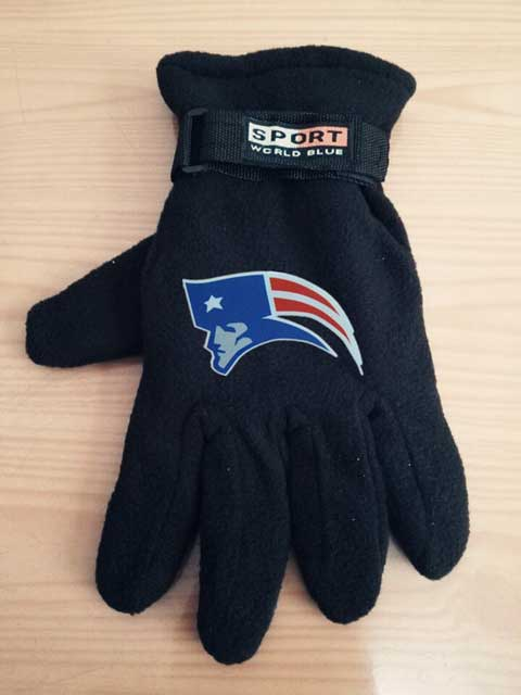 ID100979 New England Patriots NFL Adult Winter Warm Gloves Black