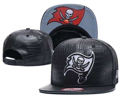 NFL Tampa Bay Buccaneers Team Logo Black Snapback Adjustable Hat S01