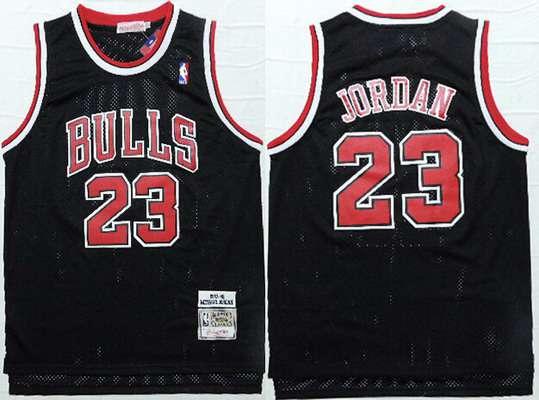 33c0d258613 Men's Chicago Bulls #23 Michael Jordan 1997-98 Black Hardwood Classics Soul  Swingman Throwback